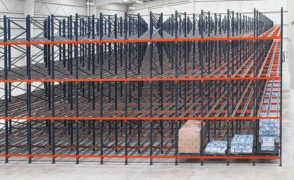 El almacén de MIYM tiene una capacidad de almacenaje superior a las 1.232 tarimas