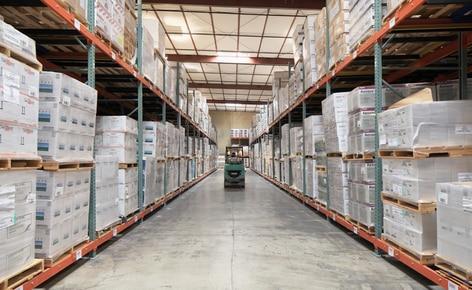 El operador logístico Desert Depot instala racks push-back para conseguir más capacidad en menos superficie de almacenaje