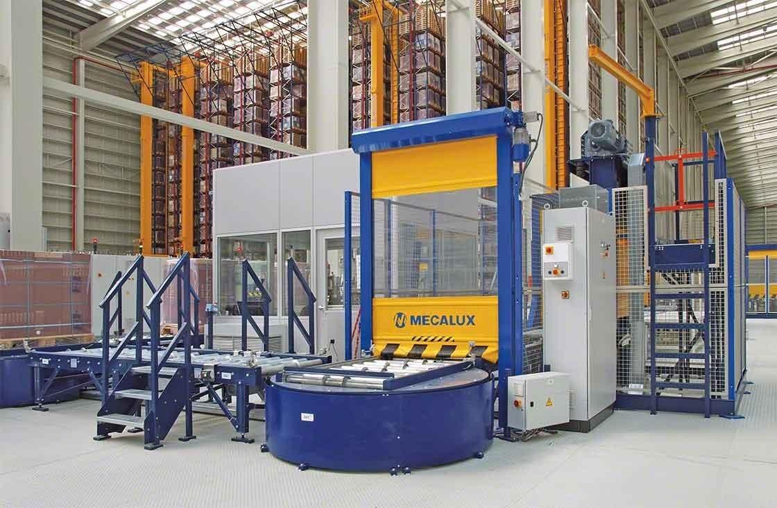 En almacenes automatizados, el puesto de inspección de tarimas se encarga de realizar el control de calidad tras la recepción de mercancías
