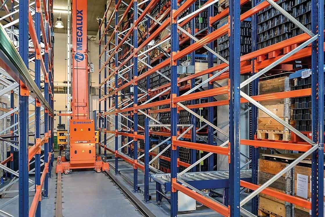 Los transelevadores permiten ahorrar desplazamientos con cargas a mayor velocidad con un impacto directo en la productividad del almacén