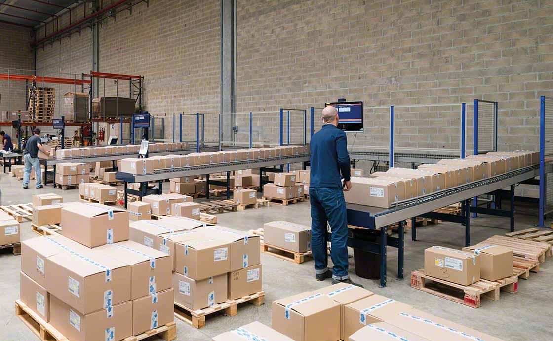 El uso racional del embalaje en logística permite ahorrar costos en el acondicionado de pedidos