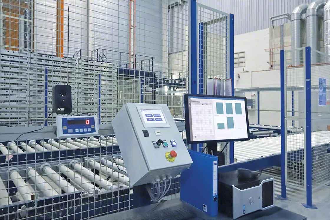 El software de control de los sistemas automáticos recibe actualizaciones periódicas al igual que el SGA
