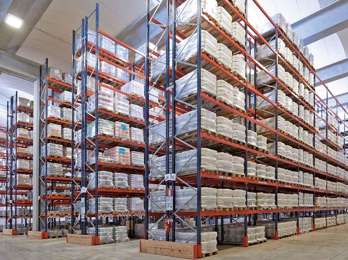 Un alto volumen de productos químicos almacenados aumenta los riesgos de la instalación