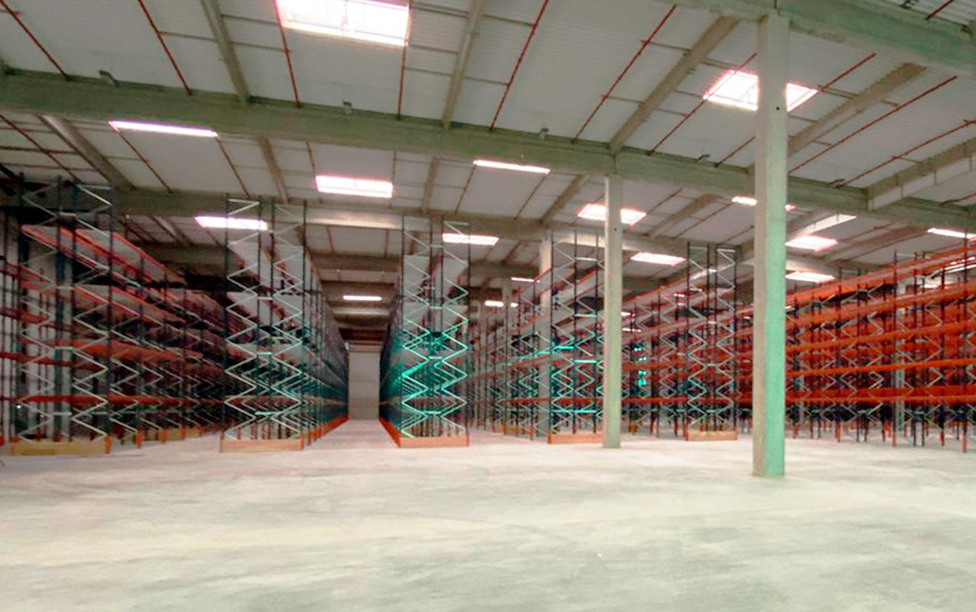 El almacén de Téréva en Francia posee una capacidad para más de 23.500 tarimas